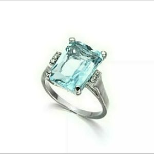 Emerald Cut Silver 925 Plated Gemstone Ring Size 7